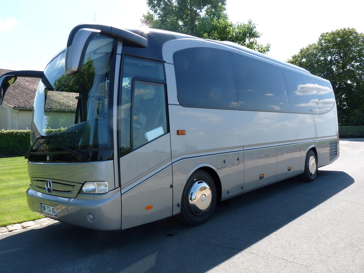 location de bus avec chauffeur bordeaux bus de tourisme atl33 atl33. Black Bedroom Furniture Sets. Home Design Ideas